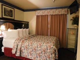 Ojai Oakridge hotel master bedroom
