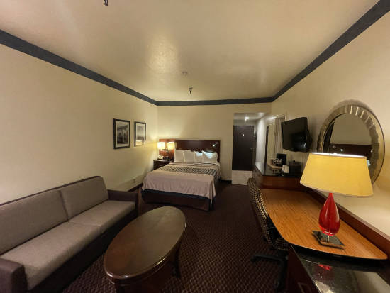 The Oakridge Inn - two rooms connected as family or adjoining rooms