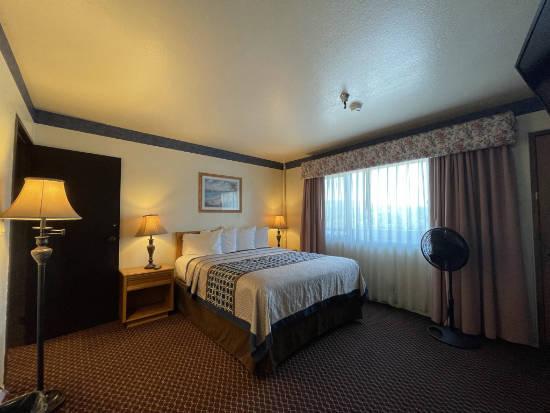 The Oakridge Inn - suite second bedroom