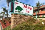 Oakridge Inn exterior sign